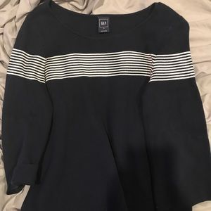 NAVY SWEATER WITH WHITE STRIPES